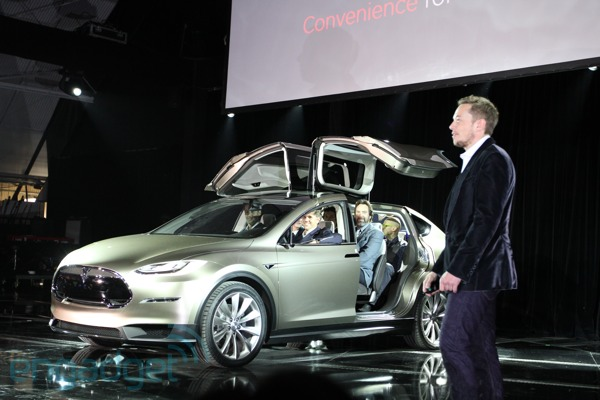 Tesla unveils Model X SUV, wants to be your all-electric crossover