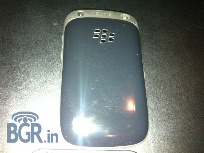 BlackBerry 9320 leaks out, looks like every other Curve