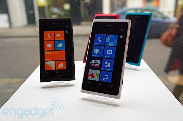 Nokia Lumia 800 update reportedly triples battery life