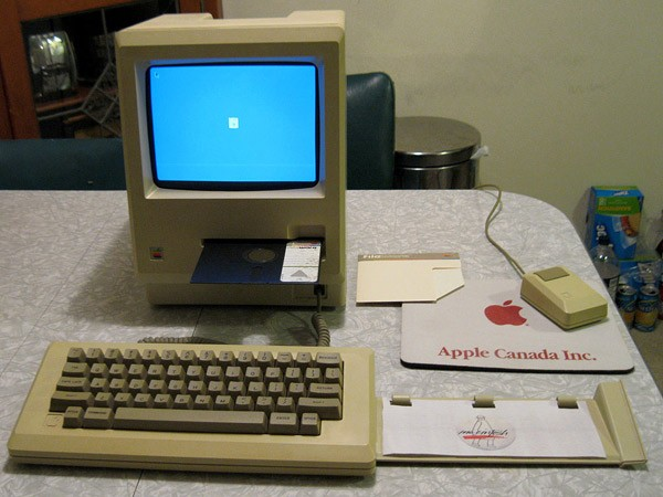 Early Macintosh 128k prototype with 5.25-inch Twiggy floppy drive for sale on eBay