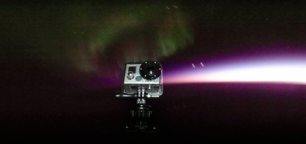 ImageProject Aether captures images of northern lights at 100,000 feet using a GoPro camera on a balloon (video)