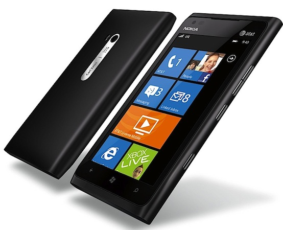 Nokia Lumia 900 data connectivity fix available now, three days early