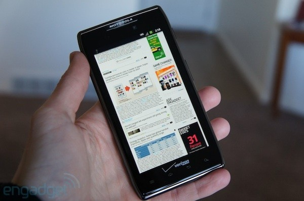 Motorola Droid RAZR Maxx hitting the UK in mid-May, available for pre-order now