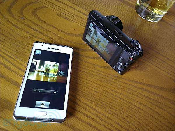Samsung Galaxy Player 4.2 remote viewfinder hands-on (video)