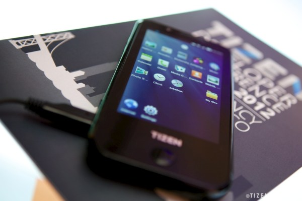 Tizen developer phone appears, complete with 4.3-inch screen and dual-core CPU (video)
