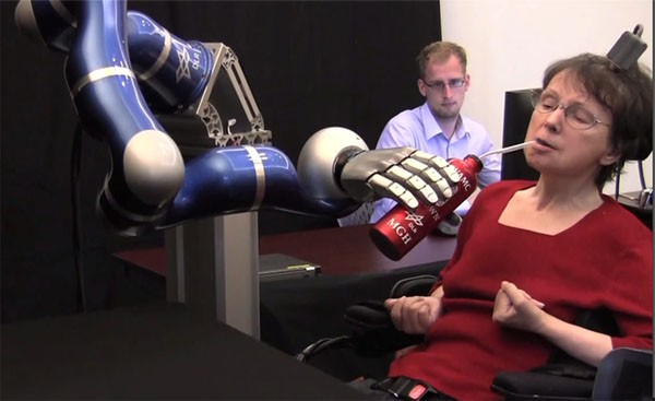 braingate2-mind-controlled-robot-arm