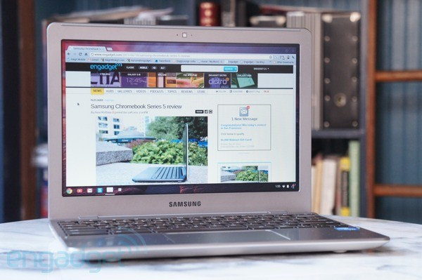 Samsung Series 5 Chromebook brings the cloud to the plane with 12 free Gogo sessions