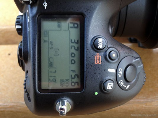 nikon d800 lockup 05 04 12 01 Nikon confirms woes with D4 and D800, joins Canon in high end doghouse