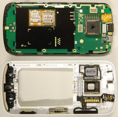 Nokia PureView 808 pops up at the FCC, gets its innards splayed across the internet
