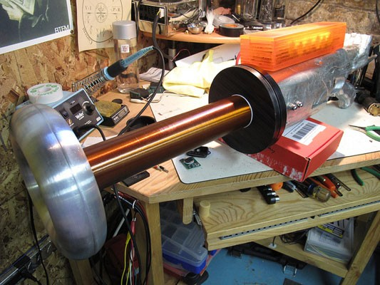 Tesla coil gun exists, may shoot lightning