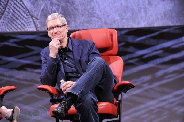 Tim Cook and Larry Page reportedly chat about patent wars