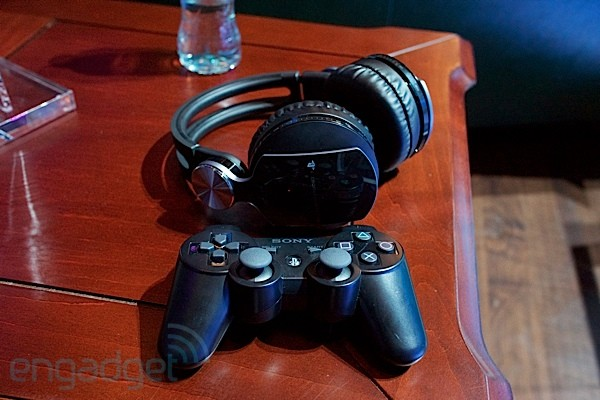 Sony PlayStation Pulse Wireless Stereo Headset Elite Edition handson
