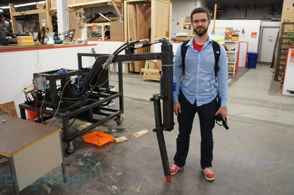 Project Hexapod eyeson with a giant robot leg
