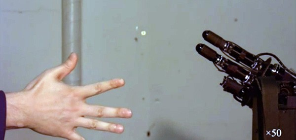 Japanese robot trolls humans at rock-paper-scissors, sadly wasn't named the UMADBRO 9000 (video)