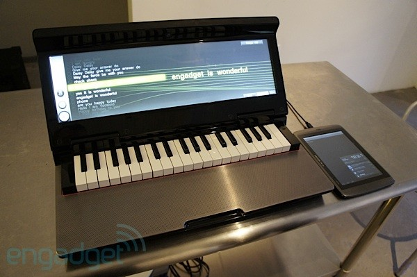Yamaha Vocaloid on Miselu Neiro synth: exclusive hands-on at Google I/O 2012