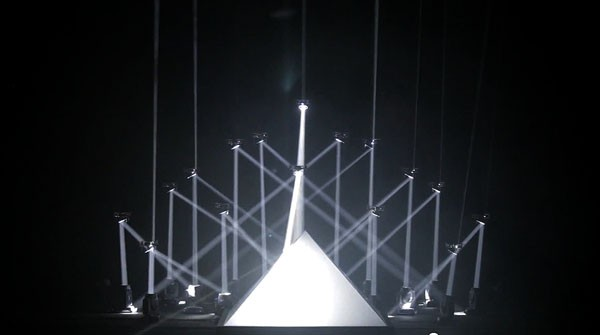 robotic-quadrotors-cannes-light-sound-show