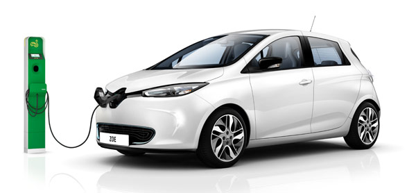 Renault Zoe EV motors nearly 1,000 miles in 24 hours, charges nine times