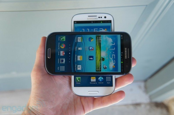 AT&T says Galaxy S III preorders won't land until June 25th, Samsung decides to celebrate anyways
