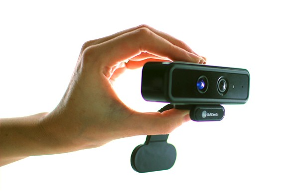 softkinetics-motion-sensor-tracks-hands-fingers-ds325