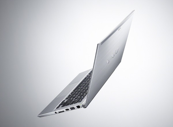 DNP EMBARGO Sony's VAIO T13 Ultrabook comes to the US with Ivy Bridge in tow, prices start at $800