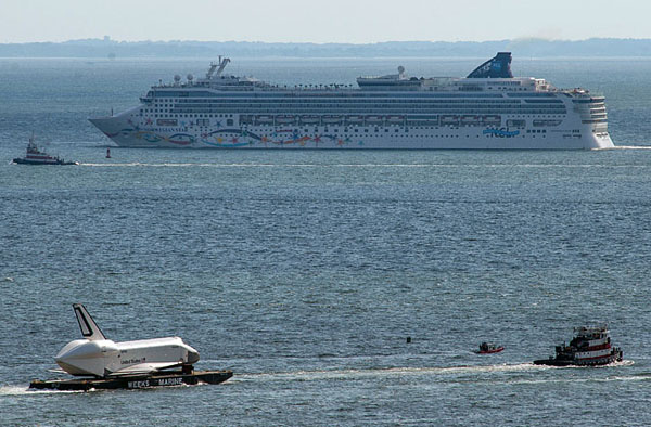 visualized-enterprise-cruises-on-barge-new-jersey