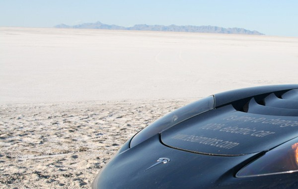 Tesla Roadster driver now halfway around the world, catching up with Citroen team video