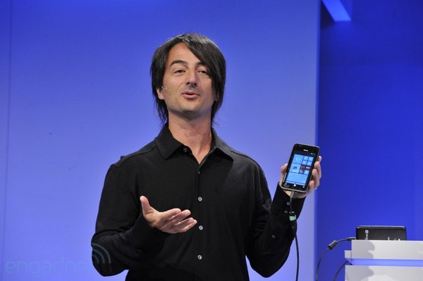 Editorial Engadget on Windows Phone 8