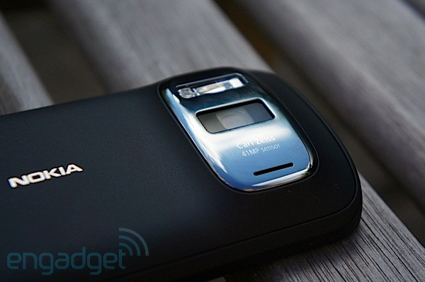 Nokia 808 PureView now available stateside, $699 via Amazon