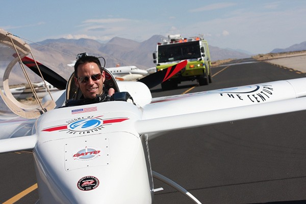 Video of record-setting Chip Yates electric plane flight shows power loss, dramatic deadstick landing