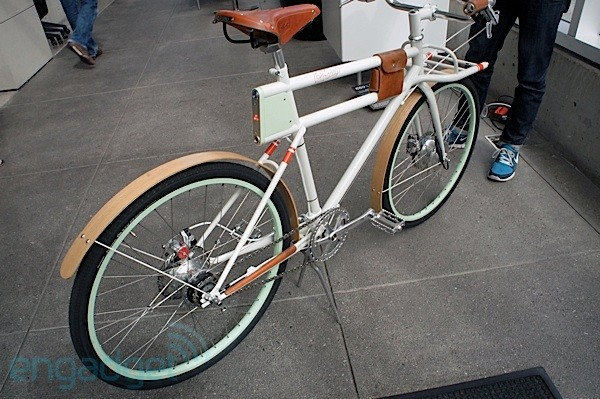 Engadget takes Faraday Porteur ebike for a spin