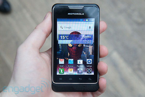 Motorola MOTOSMART comes to UK in July, promises cheapaschips Android 23 video