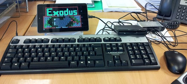 ULTIMAte hack Nexus 7 hooks up with external USB storage, floppy drive