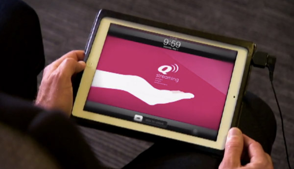 Qantas to hand out free iPads to all passengers on Boeing 767s, save fuel and sanity in the process video
