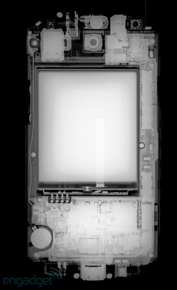Visualized Samsung Galaxy S III goes through Xray, doesn't gain superpowers
