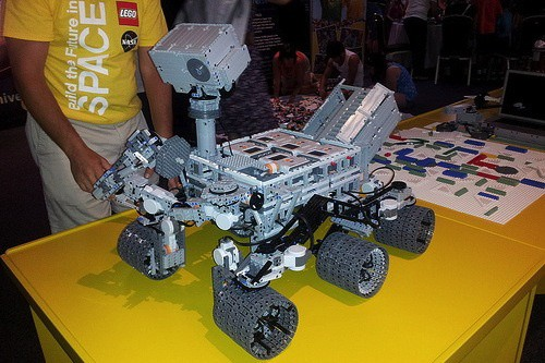 Lego Curiosity Mars rover 
