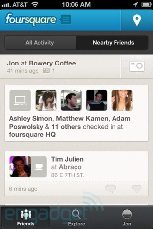 Foursquare brings nearby checkins back to BlackBerry and iPhone, will never let you miss a pub crawl again
