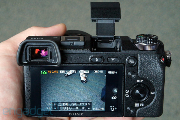 Sony NEX6 mirrorless cam squeezes in between 5R and 7 with WiFi, EVF and dedicated mode dial handson video