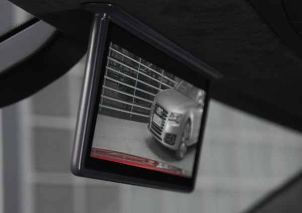 Audi R8 e-tron to feature digital AMOLED rear-view mirror