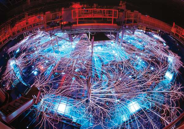 Visualized Sandia Labs' Z machine erupts in a web of EMP lightning