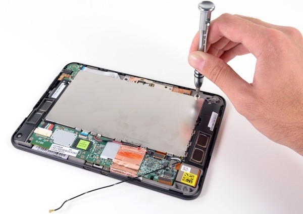 Amazon Kindle Fire HD torn down, proves an easy fix
