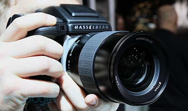 Hasselblad H5D brings the megapixels to Photokina, we go hands-on (video)