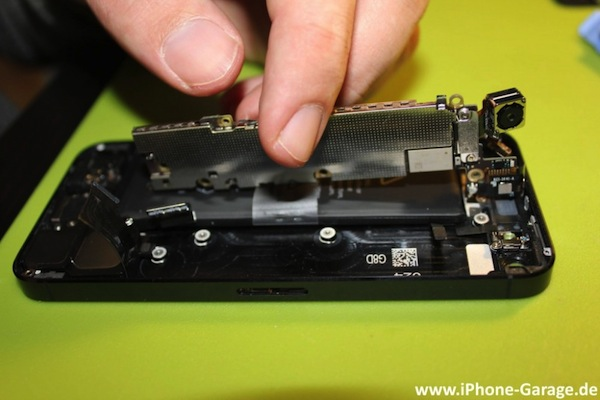 iPhone 5 gets mild teardown, reveals its precious new innards