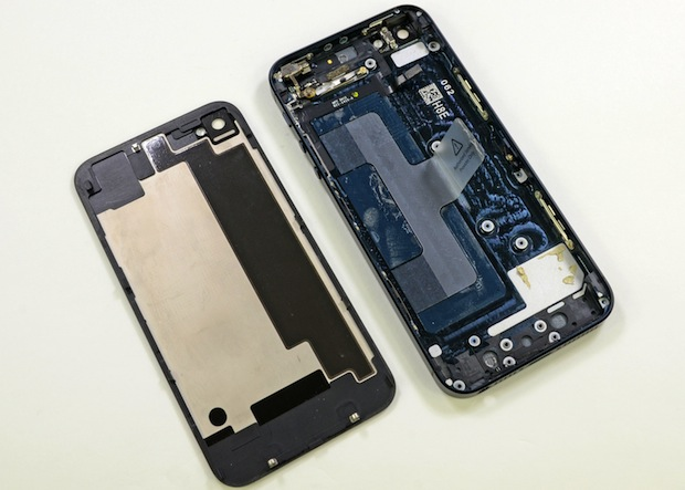 iPhone 5 face the teardown music, scores a 7 out of 10 for repairability from iFixit