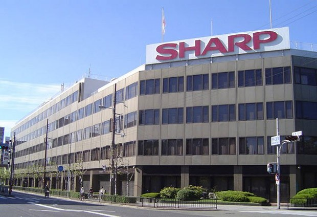 WSJ: Sharp courting US firms for investments, will trade displays for dollars