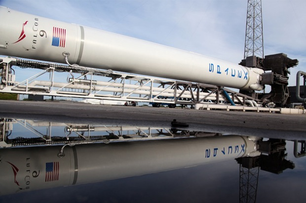 SpaceX to start International Space Station cargo runs on October 7th, kicks off routine private space travel