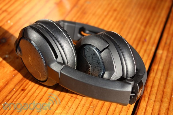 SteelSeries Flux and Flux InEar Pro headsets handson