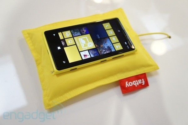 Nokia Lumia 920 on a Fatboy charging pillow