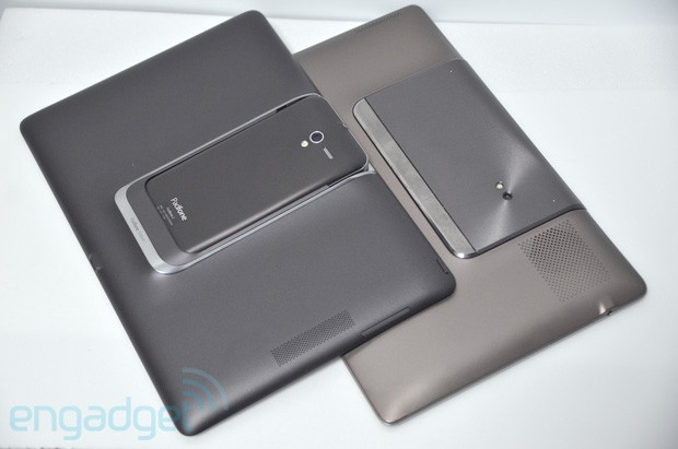 ASUS PadFone 2 vs PadFone 1 hang out!