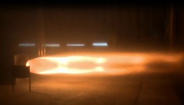Bloodhounds SuperSonic Car testfires its engines, roasts the lab wall video