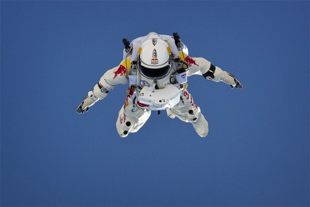 Felix Baumgarter breaks YouTube record as 8 million viewers watch his space jump